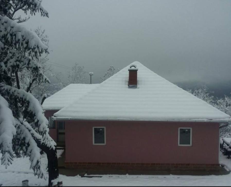 Shtëpija e familjes Hajdini në Tupallë e renovuar nga Familjaret